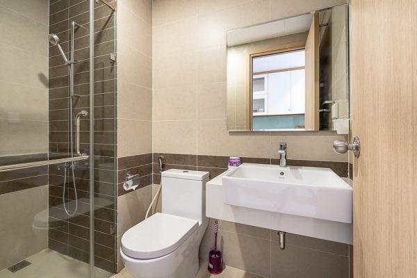 phòng tắm căn hộ rivergate